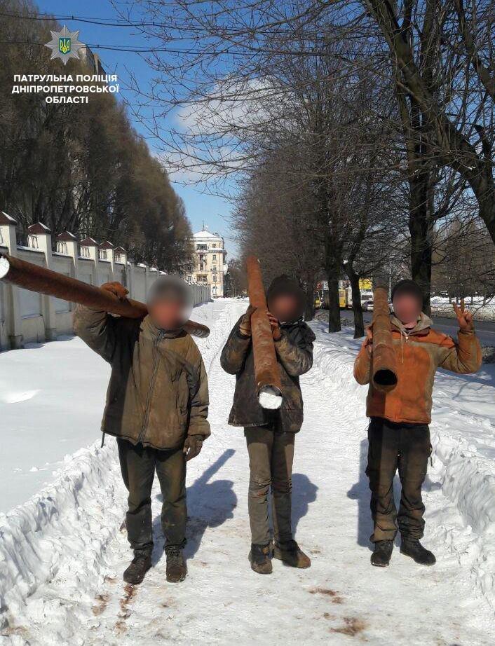 В Днепре из колодца «Южмаша» неизвестные срезали трубы (ФОТО) , фото-5