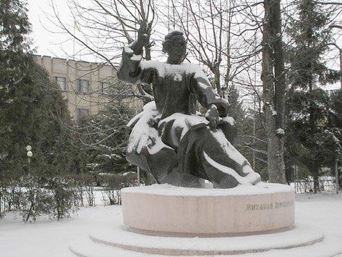 Старый новый Днепр: где Героя Советского Союза заменил автор музыки гимна Украины, фото-1