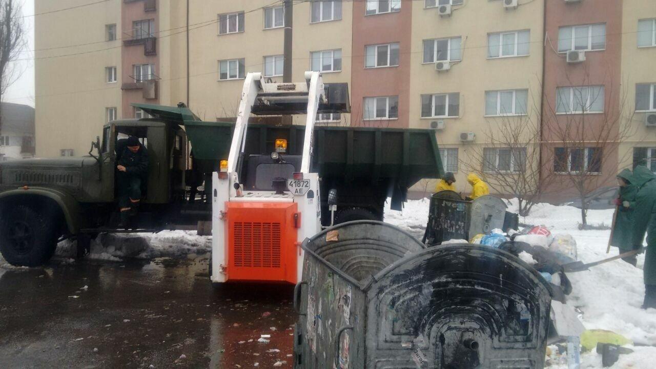 В Днепре коммунальщики за день вывезли около 200 тонн мусора (ФОТО), фото-1