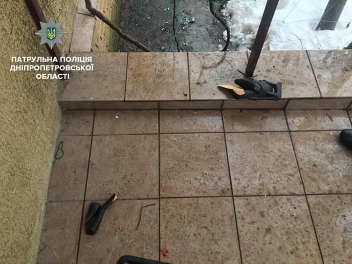 Ворвался в офис и угрожал ножом: днепровские копы задержали нападавшего , фото-2