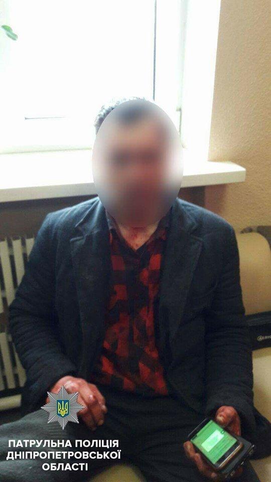 Ворвался в офис и угрожал ножом: днепровские копы задержали нападавшего , фото-1