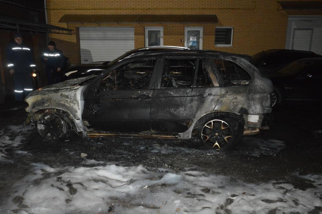 В Днепре на стоянке горел легковой автомобиль (ФОТО), фото-2