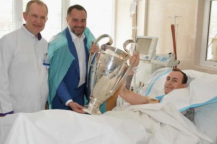 Кубки Лиги Чемпионов побывали в больнице Мечникова (ФОТО) , фото-1