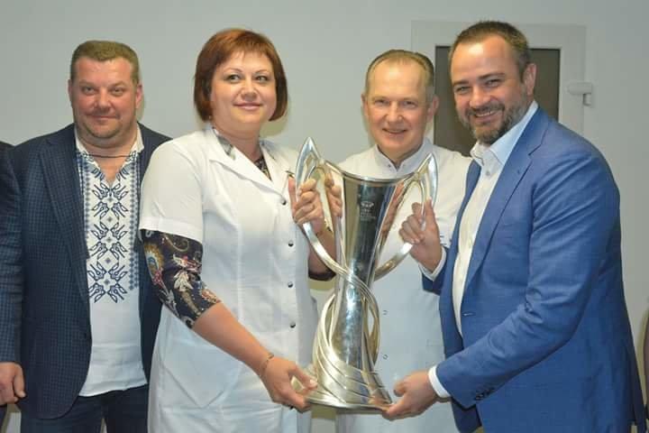 Кубки Лиги Чемпионов побывали в больнице Мечникова (ФОТО) , фото-6