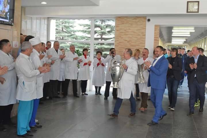 Кубки Лиги Чемпионов побывали в больнице Мечникова (ФОТО) , фото-7