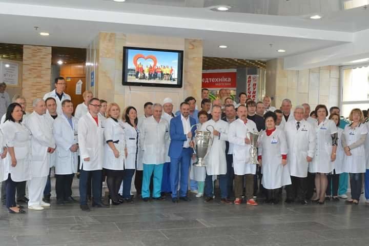 Кубки Лиги Чемпионов побывали в больнице Мечникова (ФОТО) , фото-9