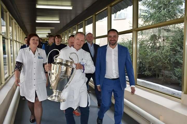 Кубки Лиги Чемпионов побывали в больнице Мечникова (ФОТО) , фото-10