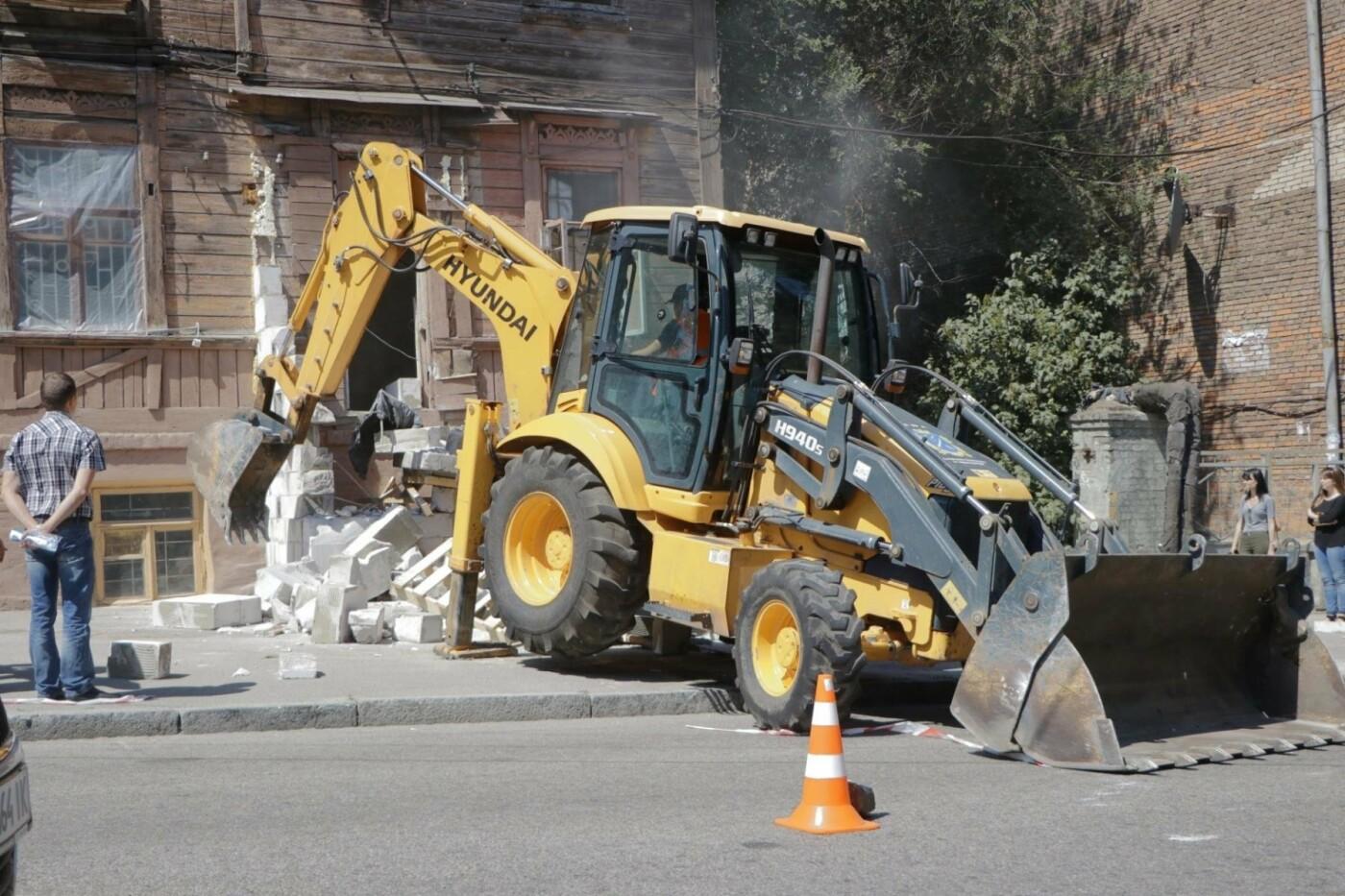 В Днепре бульдозер «спасал» последний деревянный дом в городе, - ФОТО, фото-4