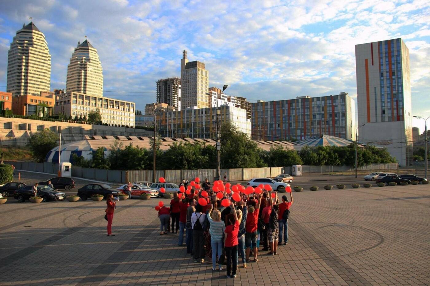 Одевайтесь в красное: в Днепре состоится красочный флешмоб в поддержку доноров, - ФОТО, фото-3