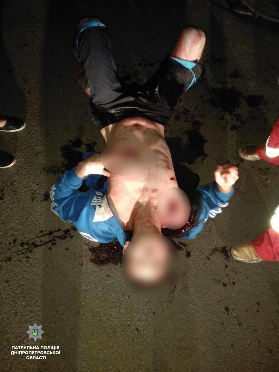 На Слобожанском 20-летний мужчина изрезал прохожего, - ФОТО, фото-1