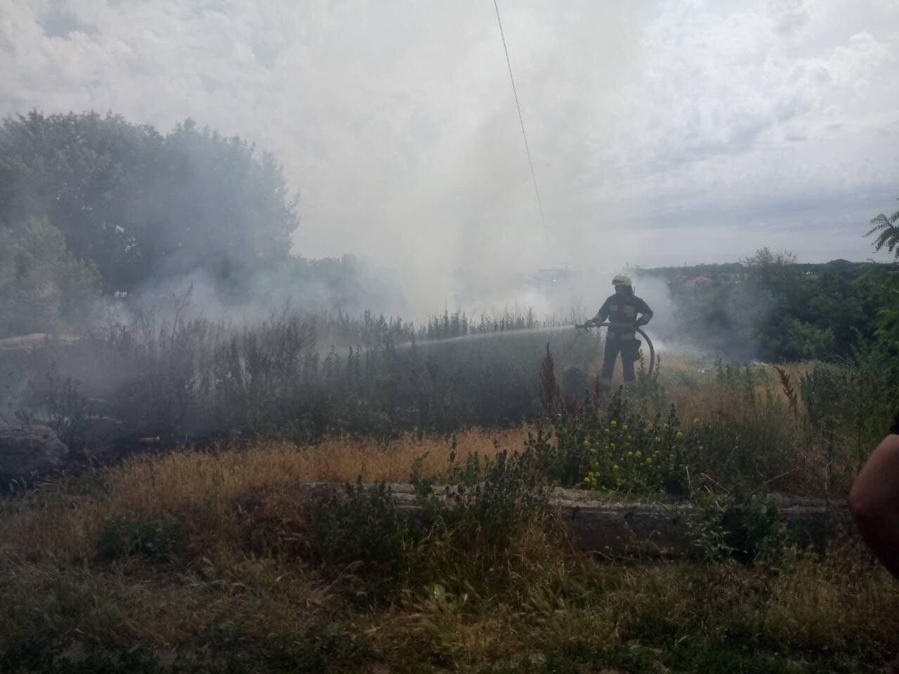 В Днепре горела крупная свалка: пожар тушили около 3-х часов, - ФОТО, фото-2