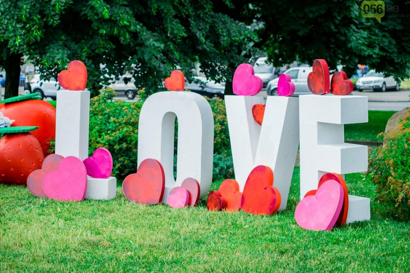 Фестиваль красок и свадьбы: как в Днепре прошел День молодежи, - ФОТОРЕПОРТАЖ, ВИДЕО, фото-29