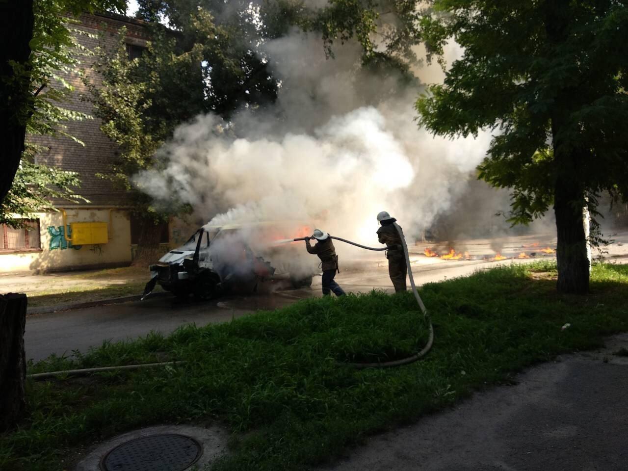В Днепропетровской области взорвали машину: внутри находился депутат горсовета, - ФОТО, фото-6