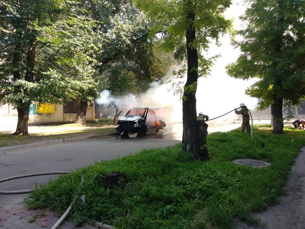 В Днепропетровской области взорвали машину: внутри находился депутат горсовета, - ФОТО, фото-2
