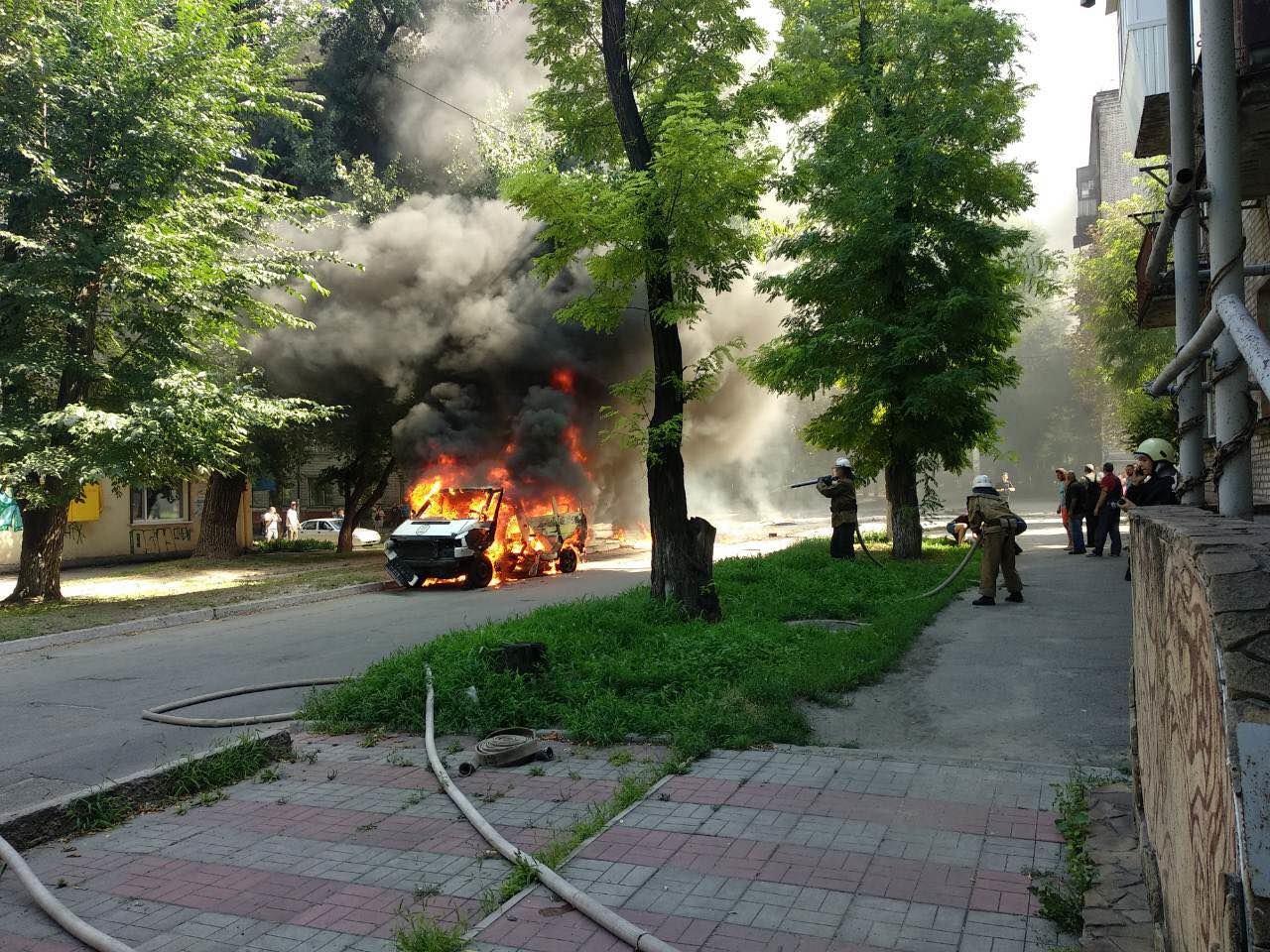 В Днепропетровской области взорвали машину: внутри находился депутат горсовета, - ФОТО, фото-1