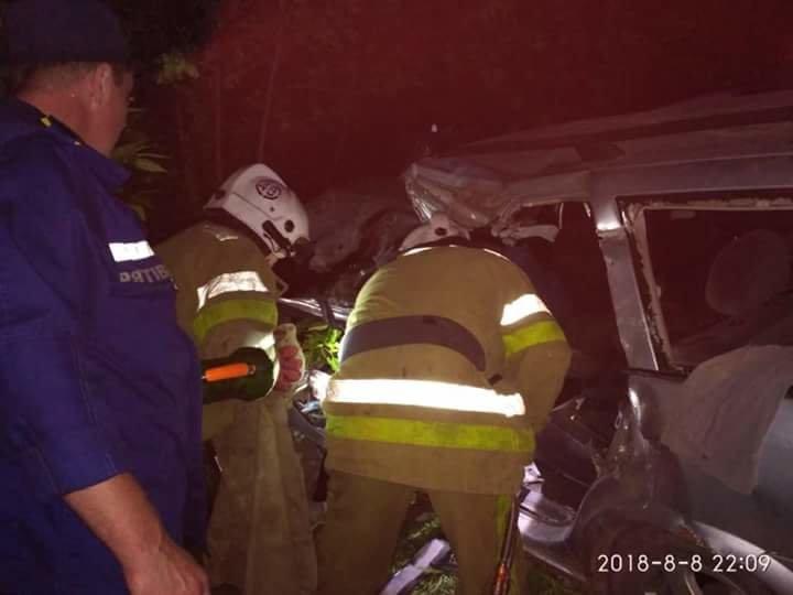 На Днепропетровщине столкнулись иномарка и служебный автобус с пассажирами: пострадали 15 человек, - ФОТО, ВИДЕО, фото-5