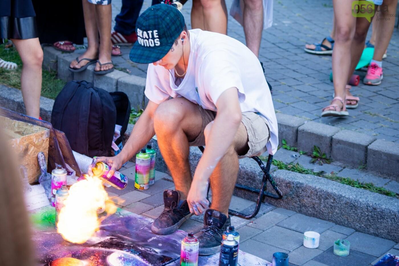 В Днепре на День Независимости на Набережной прошли массовые гуляния, - ФОТОРЕПОРТАЖ, фото-13