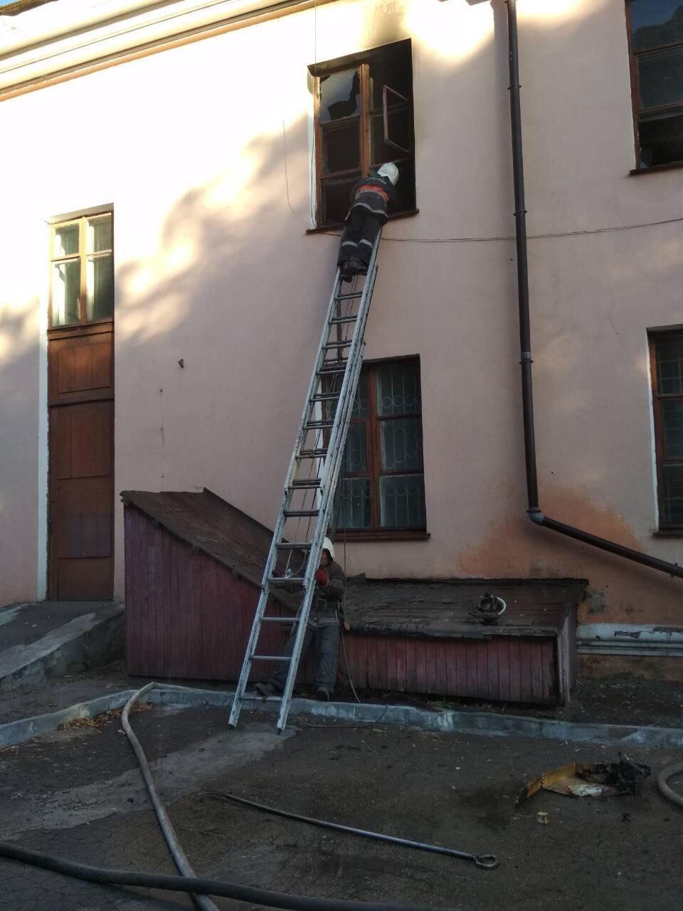 В Днепропетровской области сгорел Дворец Культуры: есть погибший, - ФОТО, фото-1