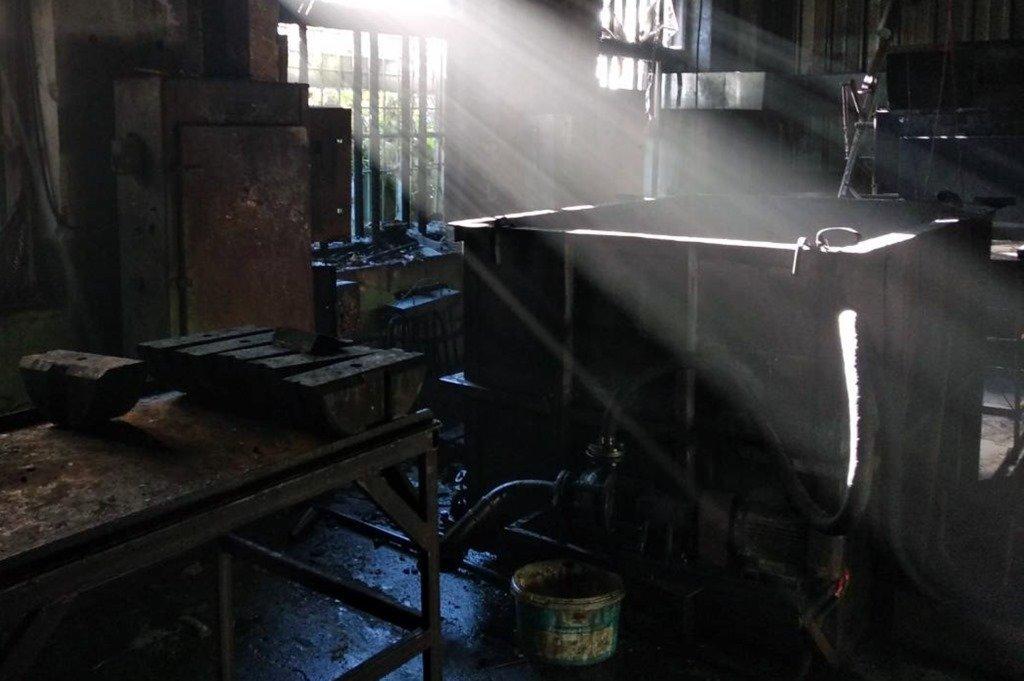 В Днепре горело производство: огонь тушили 13 пожарных, - ФОТО, фото-1