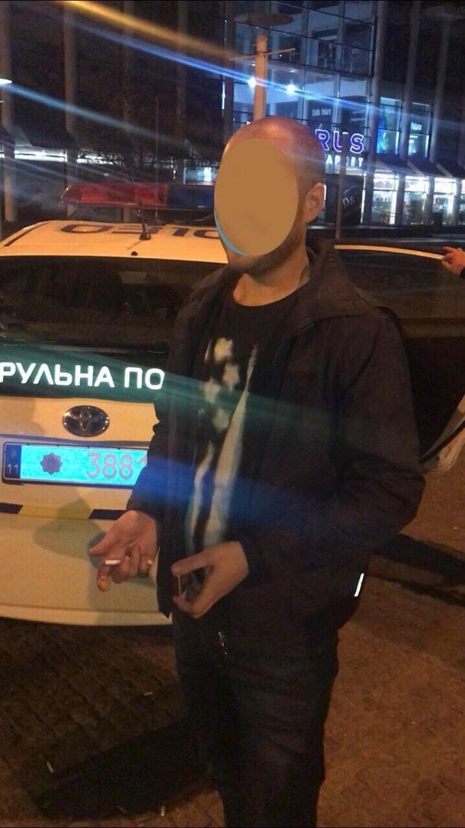 В центре Днепра задержали вандала, который пытался повредить smart-дерево, - ФОТО, фото-1