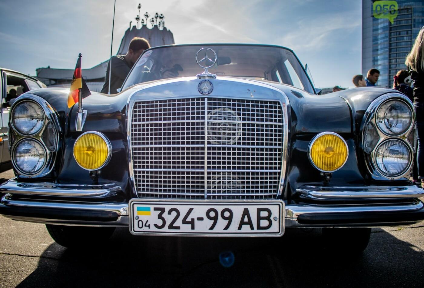 «Реставрация – это недешевое хобби»: как в Днепре проходит встреча владельцев ретро-автомобилей, - ФОТОРЕПОРТАЖ, фото-4