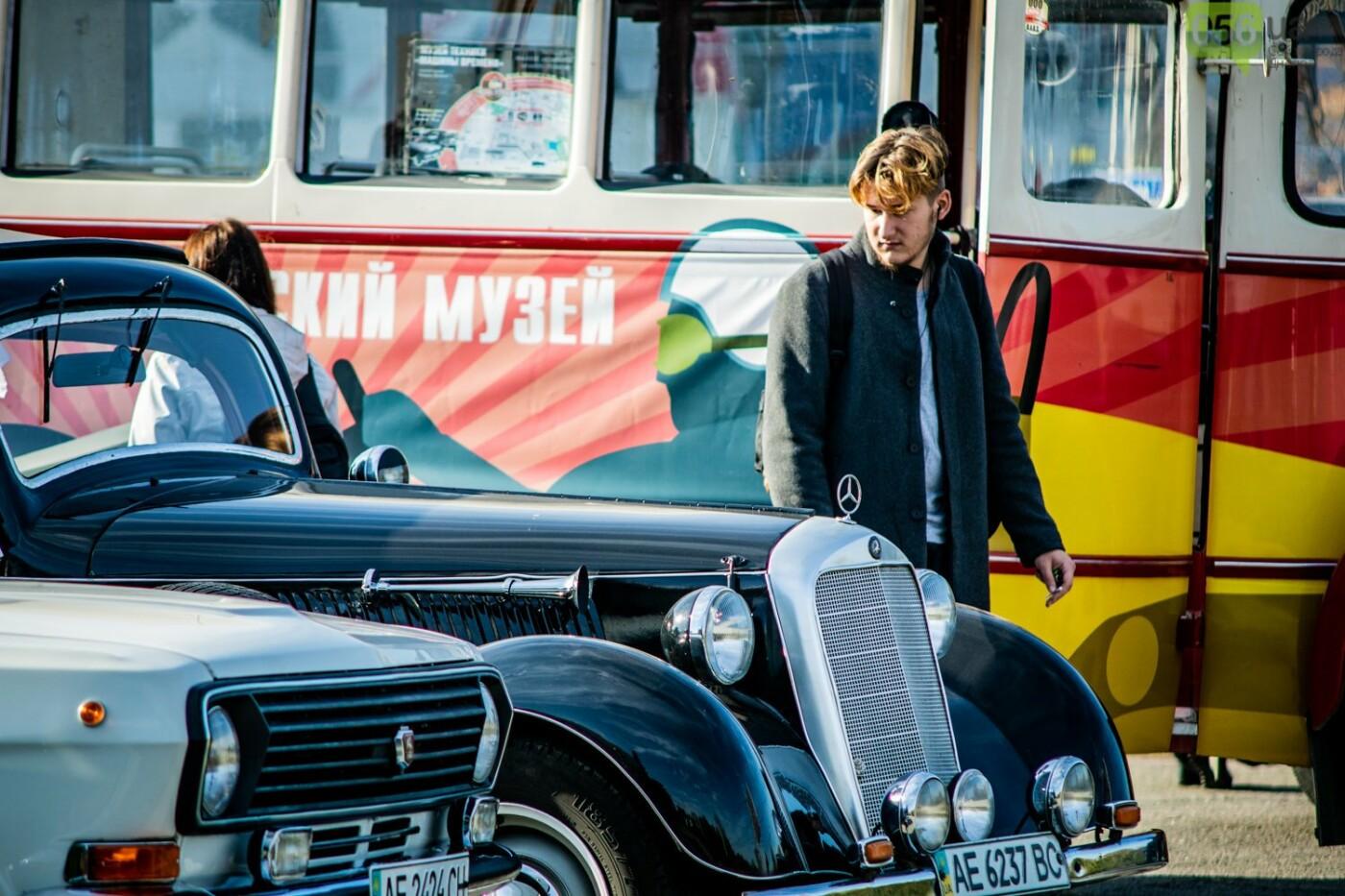 «Реставрация – это недешевое хобби»: как в Днепре проходит встреча владельцев ретро-автомобилей, - ФОТОРЕПОРТАЖ, фото-10