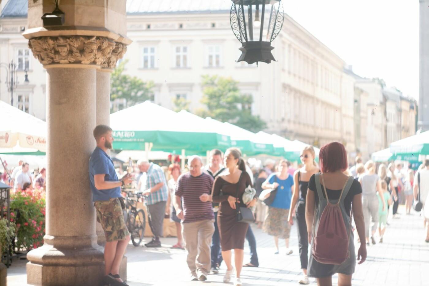 Приехать в Польшу и влюбиться, часть 1: мини-гайд по Кракову о жилье, транспорте и развлечениях, и экскурсия в Аушвиц-Биркенау , - ФОТО, фото-2
