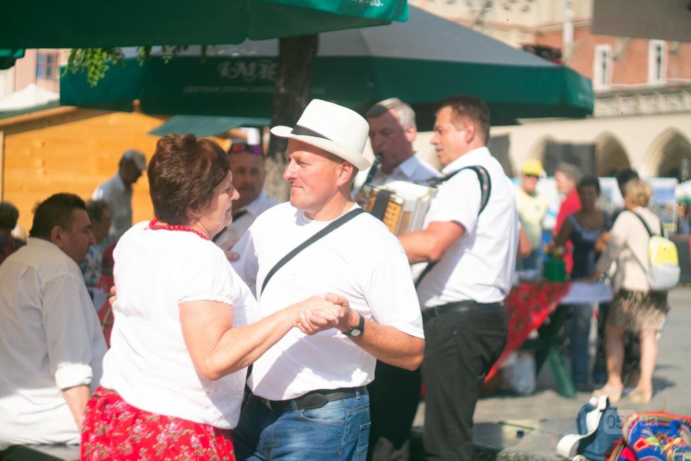 Приехать в Польшу и влюбиться, часть 1: мини-гайд по Кракову о жилье, транспорте и развлечениях, и экскурсия в Аушвиц-Биркенау , - ФОТО, фото-12