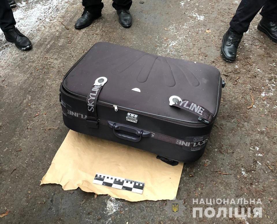 В Днепре обнаружили труп девушки в мусорном баке: тело было в чемодане, - ФОТО, фото-1