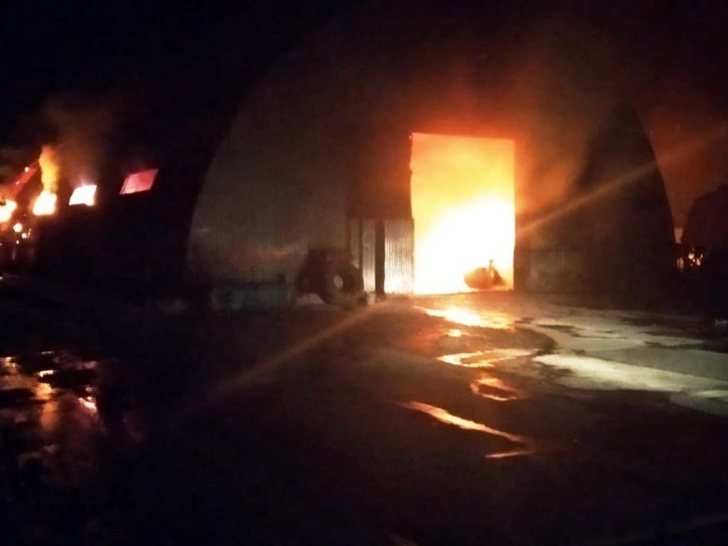 На Днепропетровщине больше двадцати пожарных боролись с огнем, - ФОТО, ВИДЕО, фото-2