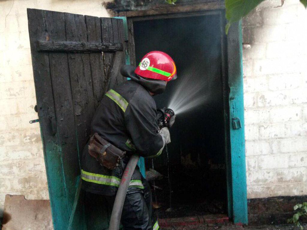 На Днепропетровщине горел жилой дом: погиб человек, - ФОТО, ВИДЕО, фото-2
