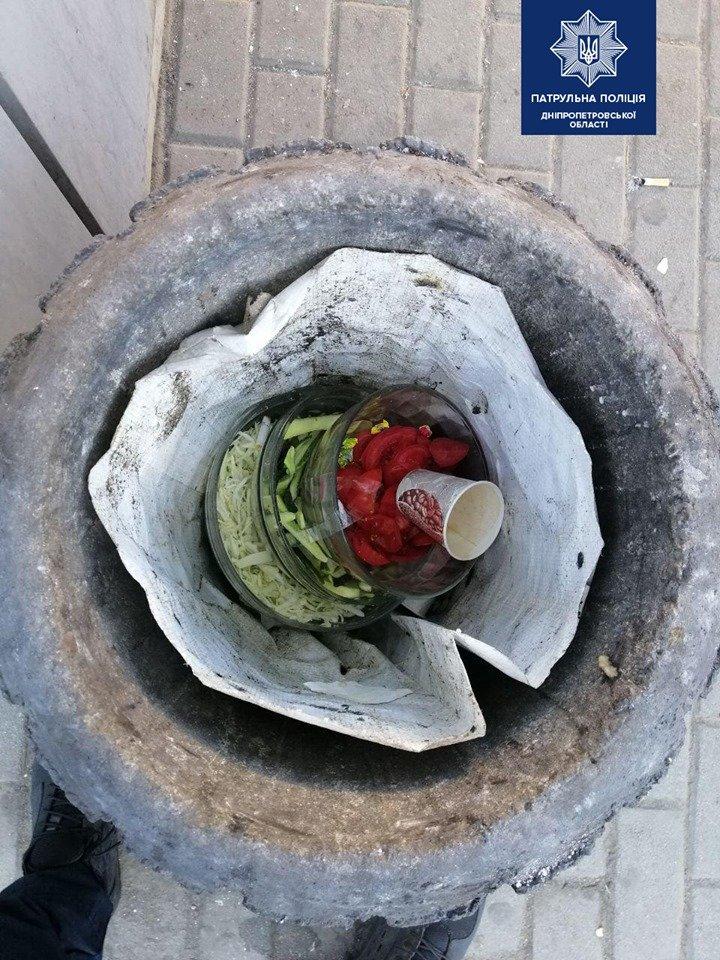 Соблазнили тарелки с овощами: в Днепре мужчина ограбил киоск с шаурмой, - ФОТО , фото-1
