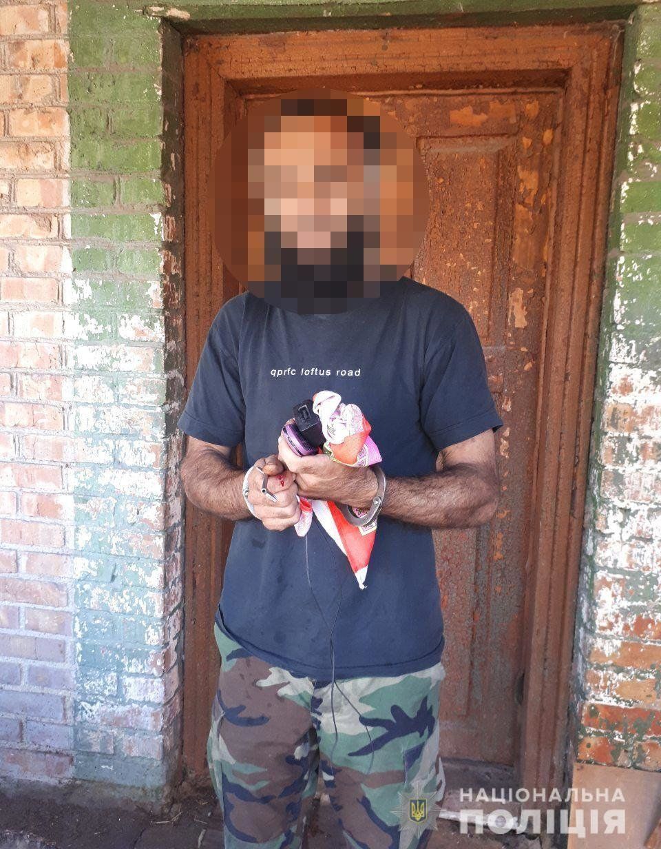 На Днепропетровщине азербайджанец ранил ножом троих людей и уехал на велосипеде, - ФОТО, фото-1