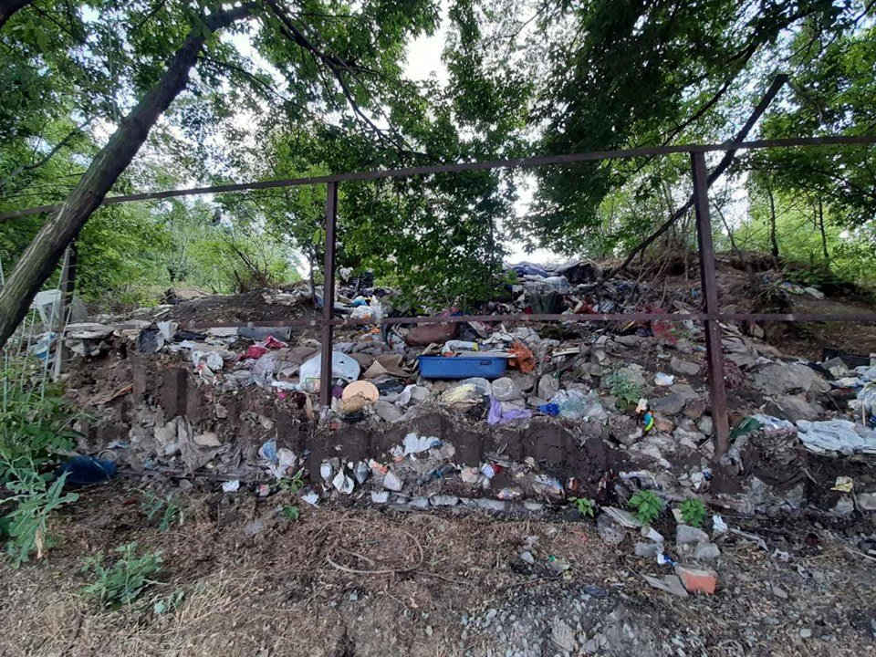 В Днепре выселили ромов, которые жили в городском парке, - ФОТО, фото-1