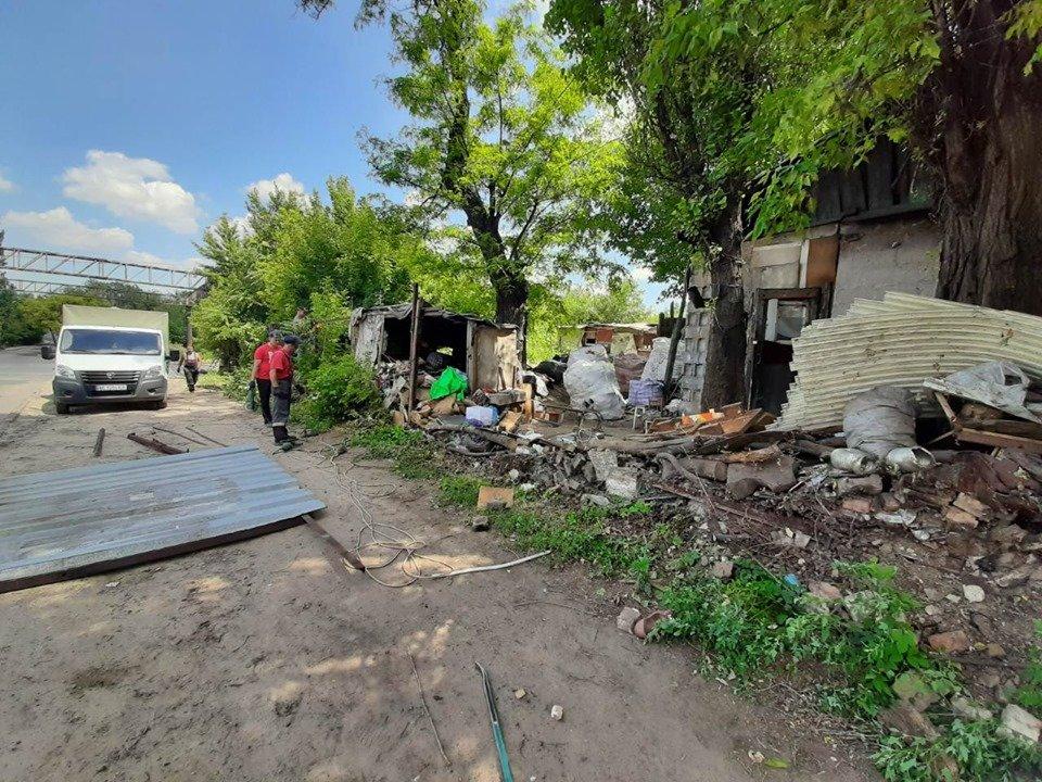 В Днепре выселили ромов, которые жили в городском парке, - ФОТО, фото-4