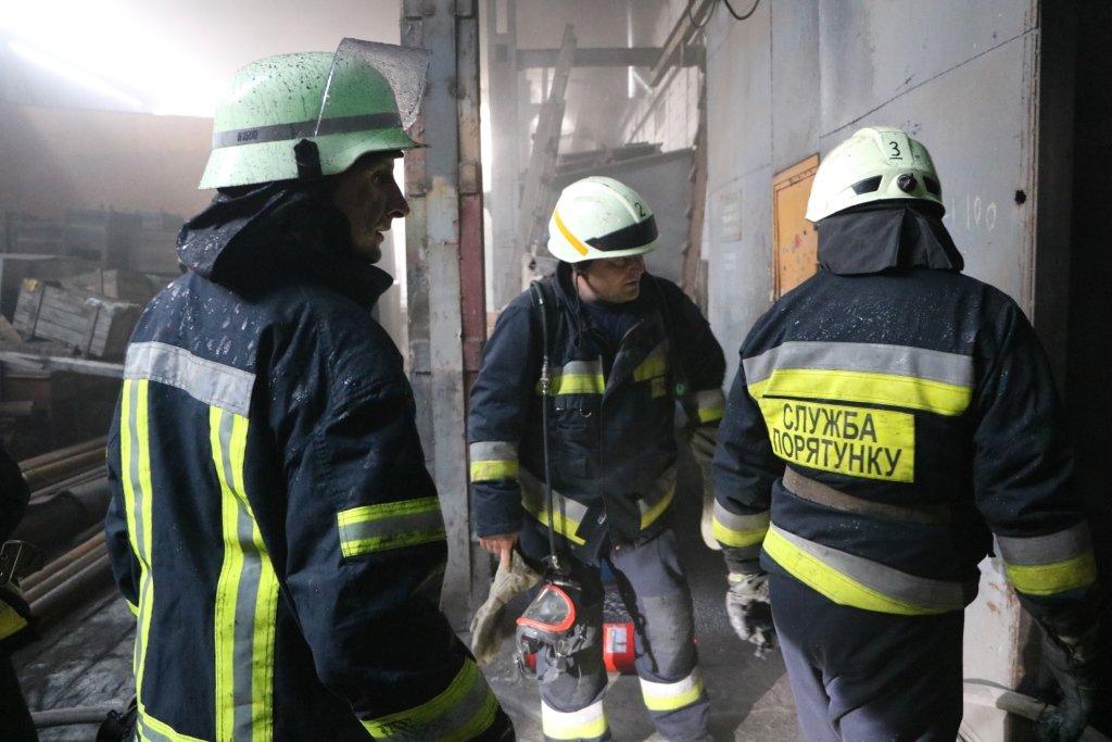 В Днепре произошел пожар на производстве, - ФОТО, ВИДЕО, фото-4