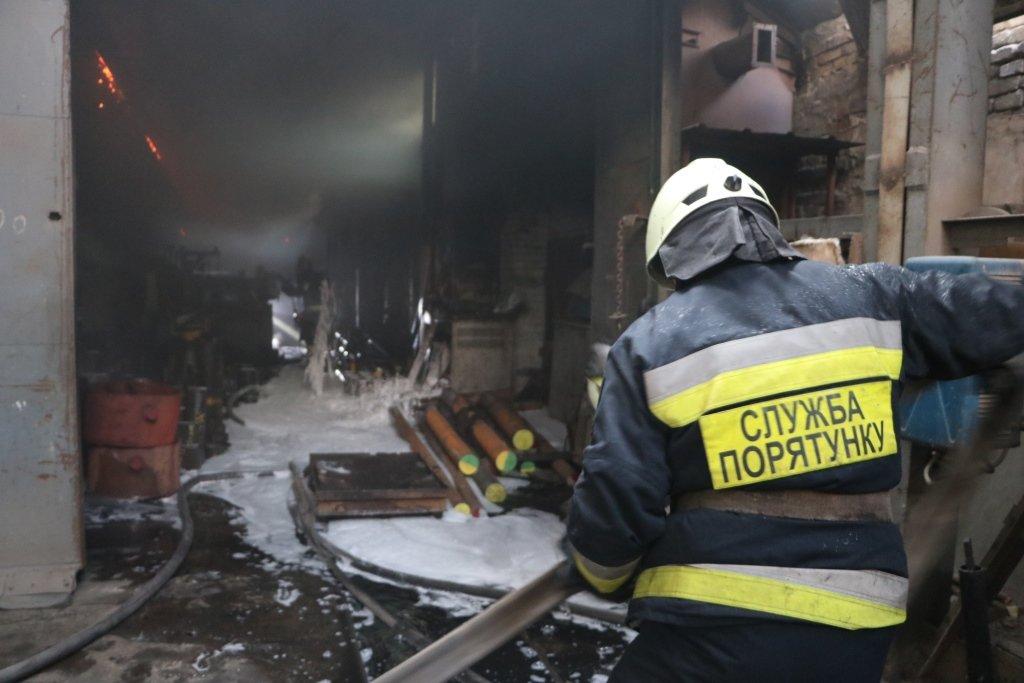 В Днепре произошел пожар на производстве, - ФОТО, ВИДЕО, фото-2
