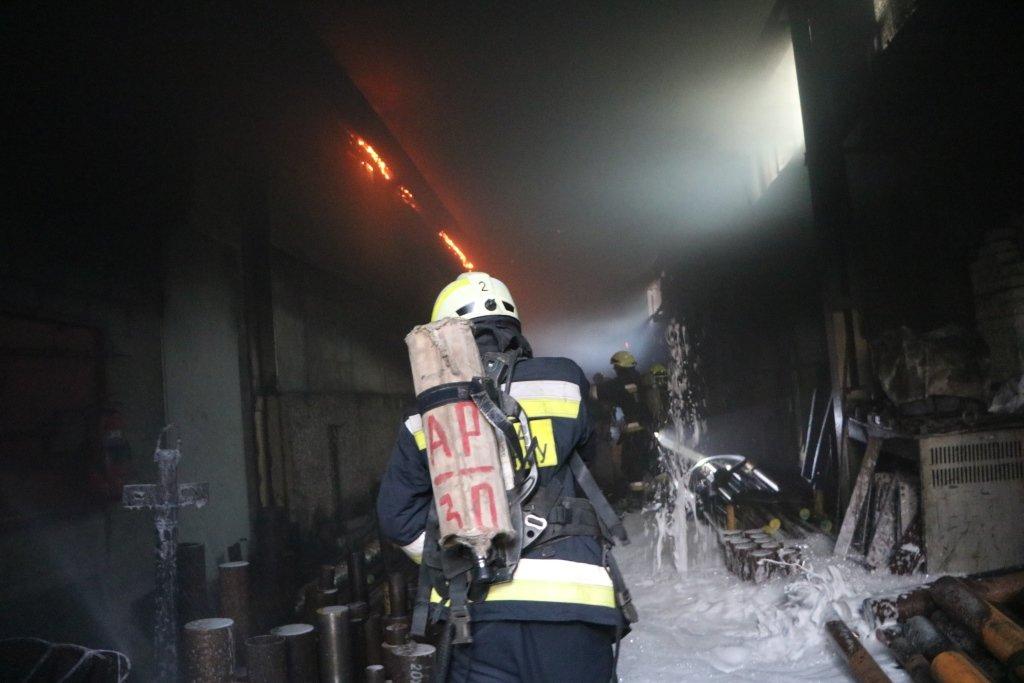 В Днепре произошел пожар на производстве, - ФОТО, ВИДЕО, фото-1