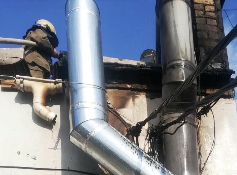 Пожар под Днепром - в центре города горело кафе, - ФОТО