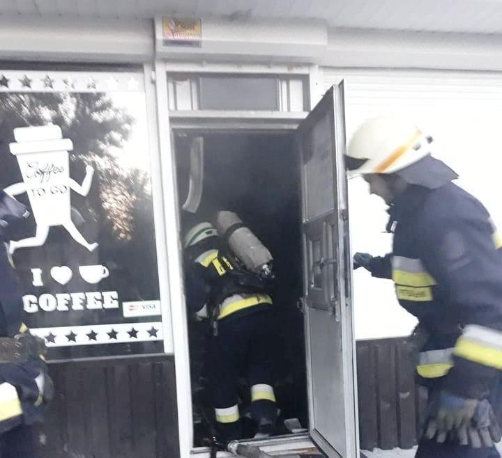 В Днепре загорелось кафе, - ФОТО, фото-2