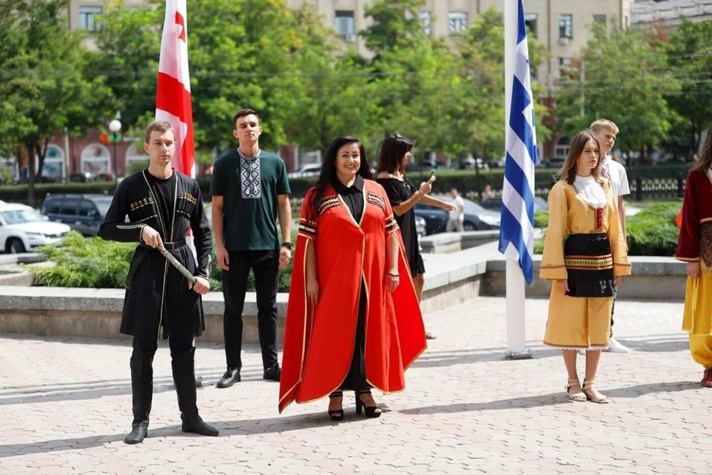 В центре Днепре открыли Аллею многонационального города, - ФОТО, фото-4