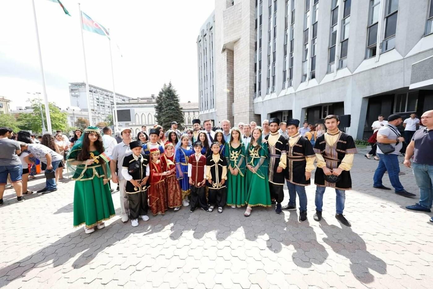 В центре Днепре открыли Аллею многонационального города, - ФОТО, фото-5