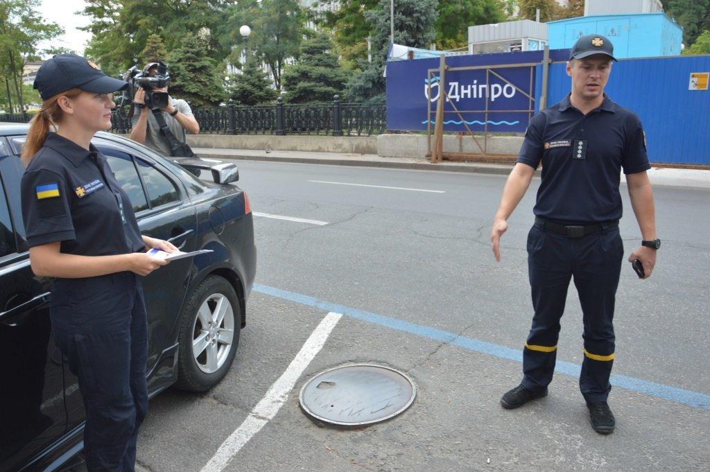 Как правильная парковка может спасти жизнь: обращение к водителям Днепра, - ФОТО, фото-1