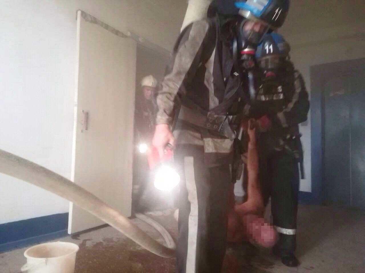 В Днепропетровской области горела квартира с пожилыми людьми, - ФОТО, ВИДЕО, фото-4