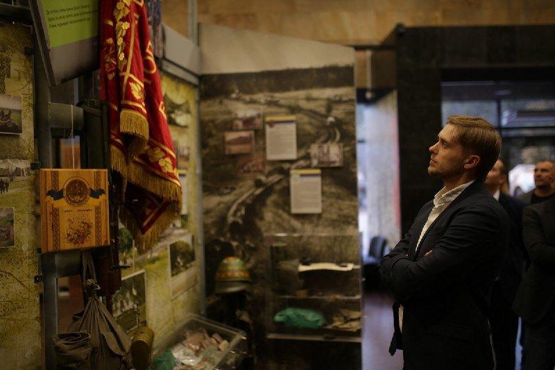 Глава ДнепрОГА впервые посетил Музей АТО и проведал раненных в больнице Мечникова, - ФОТО, фото-3