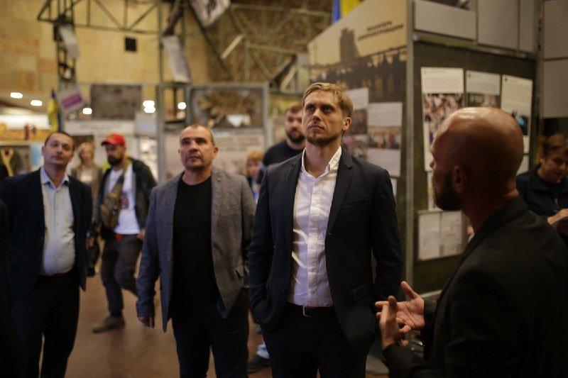 Глава ДнепрОГА впервые посетил Музей АТО и проведал раненных в больнице Мечникова, - ФОТО, фото-1