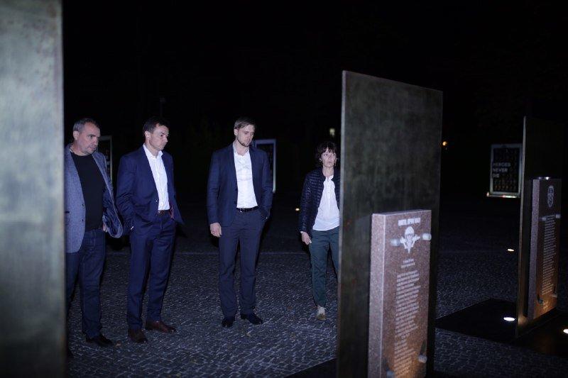 Глава ДнепрОГА впервые посетил Музей АТО и проведал раненных в больнице Мечникова, - ФОТО, фото-10