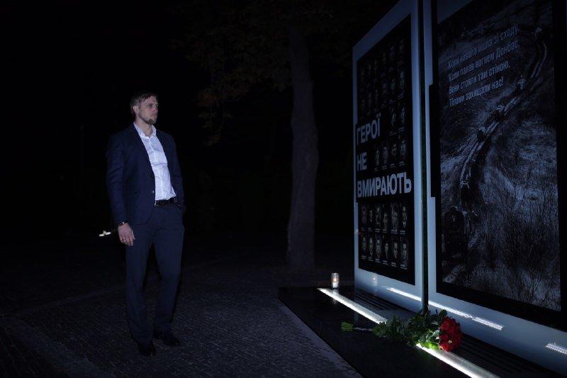 Глава ДнепрОГА впервые посетил Музей АТО и проведал раненных в больнице Мечникова, - ФОТО, фото-13