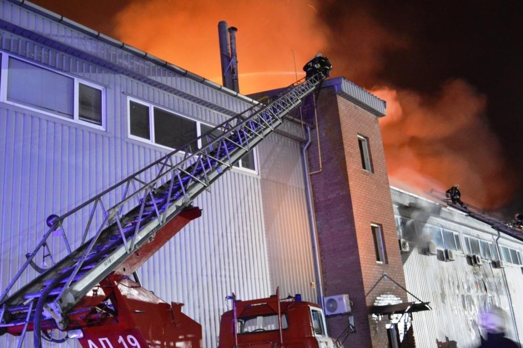 В Днепре произошел масштабный пожар на складе, - ФОТО, ВИДЕО, фото-4