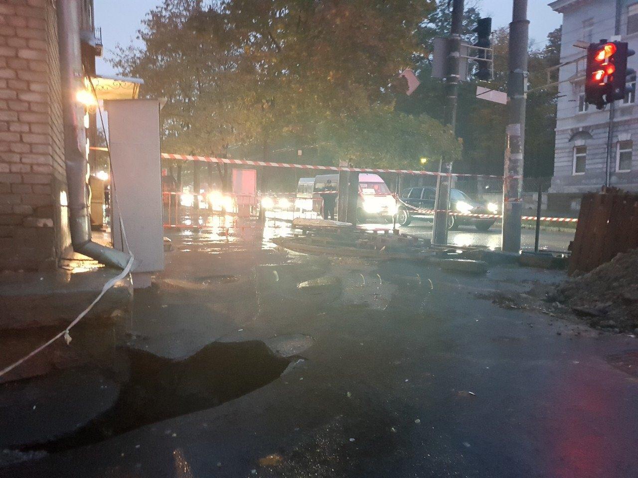 В Днепре треснула стена общежития, студентов эвакуировали: завтра перекроют центральный проспект, - ФОТО, фото-1